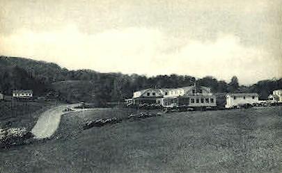 Twist O' Hill Lodge - Williston, Vermont VT Postcard