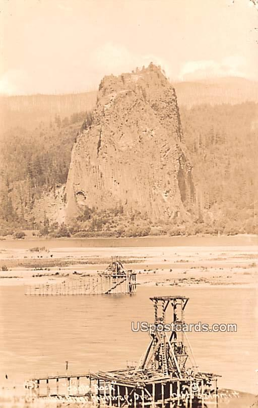 Castle Rock - Washington WA Postcard