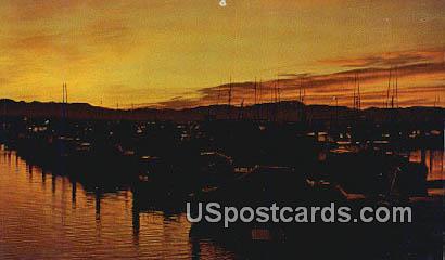 Ilwaco, Washington Postcard     ;      Ilwaco, WA