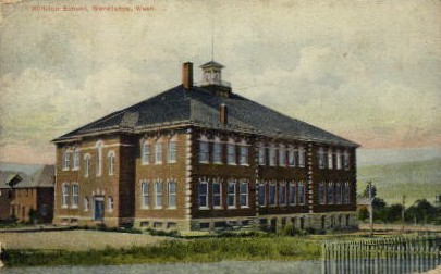 Whitman School - Wenatchee, Washington WA Postcard