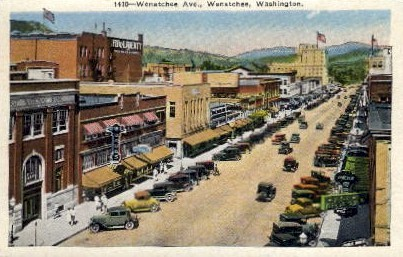 Wenatchee Avenue - Washington WA Postcard