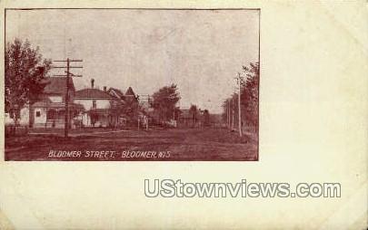 Bloomer Street - Wisconsin WI Postcard