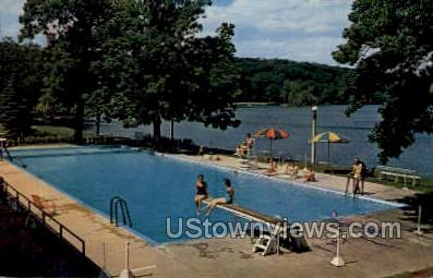 Swimming Pool at Roger Willliams Inn - Green Lake, Wisconsin WI Postcard