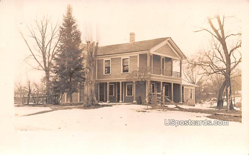 Residence - Hartford, Wisconsin WI Postcard