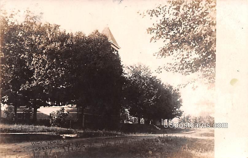 Residence Scene - Hortonville, Wisconsin WI Postcard