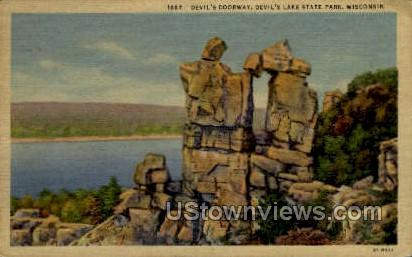 Devil's Doorway - Misc, Wisconsin WI Postcard