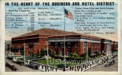 Business And Hotel District - MIlwaukee, Wisconsin WI Postcard