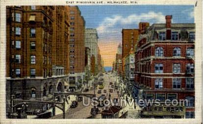 East Wisconsin Avenue - MIlwaukee Postcard