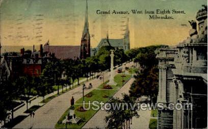 Grand Avenue - MIlwaukee, Wisconsin WI Postcard
