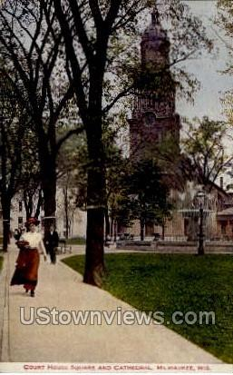 Court House Square - MIlwaukee, Wisconsin WI Postcard