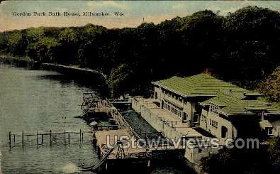 Gordan Park Bath House - MIlwaukee, Wisconsin WI Postcard