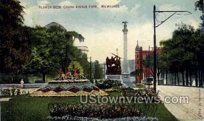 Flower Beds, Grand Avenue - MIlwaukee, Wisconsin WI Postcard