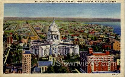 Wisconsin State Capitol - MIlwaukee Postcard