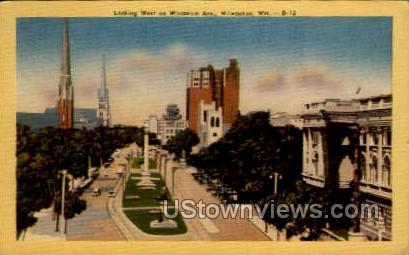 Wisconsin Avenue - MIlwaukee Postcard