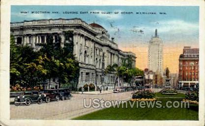 West Wisconsin Avenue - MIlwaukee Postcard
