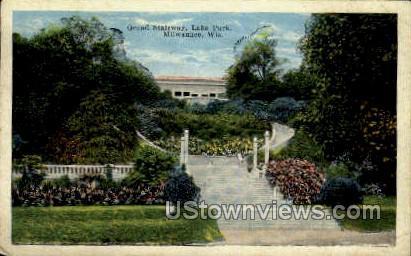 Grand Stairway, Lake Park - MIlwaukee, Wisconsin WI Postcard