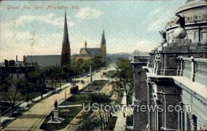 Grand Avenue Park - MIlwaukee, Wisconsin WI Postcard