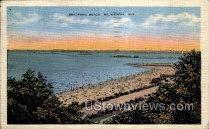 Bradford Beach - MIlwaukee, Wisconsin WI Postcard