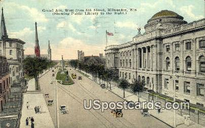 Grand Ave, 8th Street - MIlwaukee, Wisconsin WI Postcard