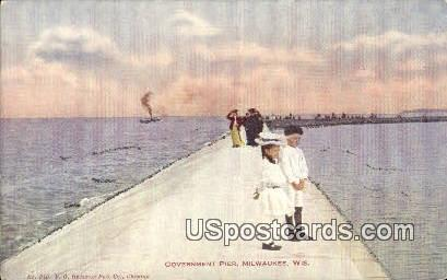Government Pier - MIlwaukee, Wisconsin WI Postcard
