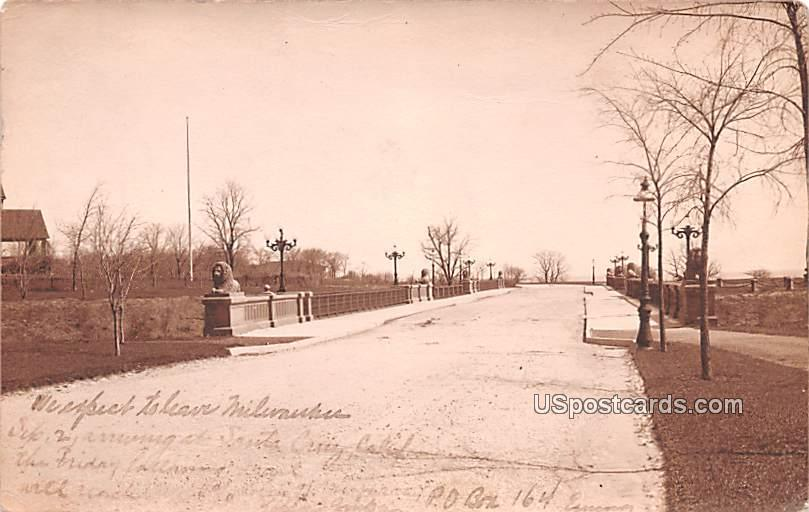 Roadway - MIlwaukee, Wisconsin WI Postcard