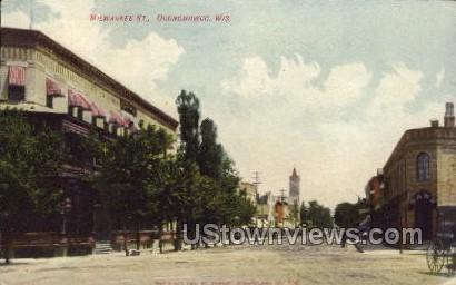 Milwaukee Street - Oconomowoc, Wisconsin WI Postcard