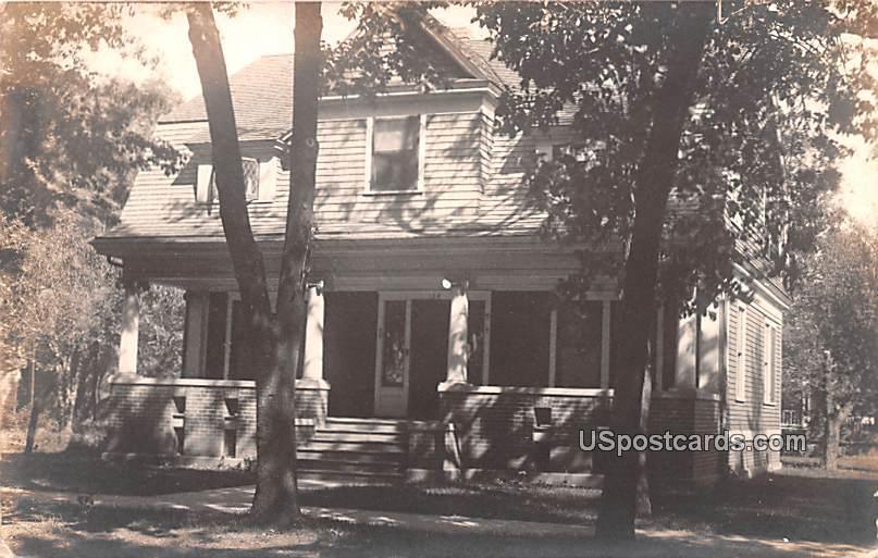 Residence - Oshko, Wisconsin WI Postcard