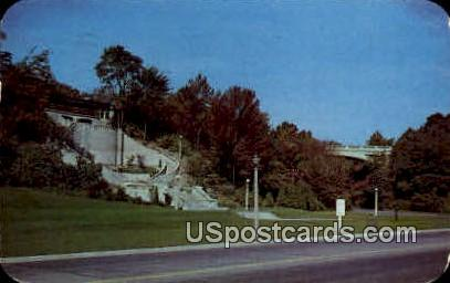 Lincoln Memorial Drive - MIlwaukee, Wisconsin WI Postcard