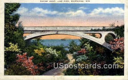 Ravine Drive - MIlwaukee, Wisconsin WI Postcard