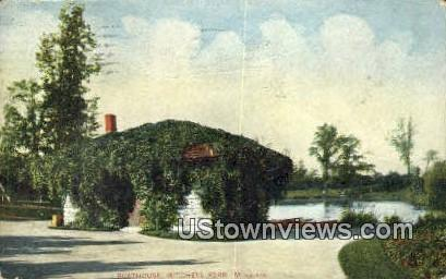 Boathouse, Mitchell Park - MIlwaukee, Wisconsin WI Postcard