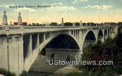 Grand Ave Viaduct - MIlwaukee, Wisconsin WI Postcard