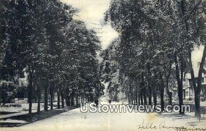 Grand Ave - MIlwaukee, Wisconsin WI Postcard