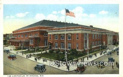 The Auditorium - MIlwaukee, Wisconsin WI Postcard