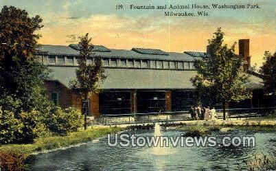 Fountain, Animal House, Washington Pak - MIlwaukee, Wisconsin WI Postcard