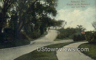 Boulevard, Lake Park - MIlwaukee, Wisconsin WI Postcard