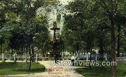 Fountain, Eighth Ward park - MIlwaukee, Wisconsin WI Postcard