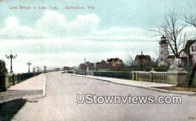 Lion Bridge, Lake Park - MIlwaukee, Wisconsin WI Postcard