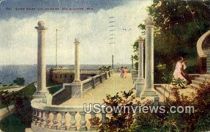 Lake Park Colonnade - MIlwaukee, Wisconsin WI Postcard