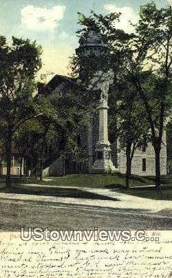 Court House & Soldiers' Monument - Stevens Point, Wisconsin WI Postcard