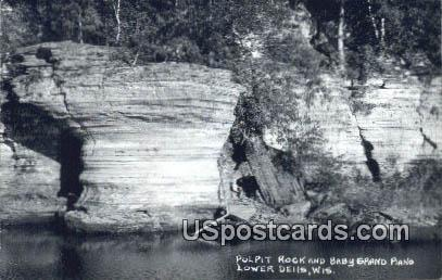 Pulpit Rock & Baby Grand Piano - Lower Dells, Wisconsin WI Postcard