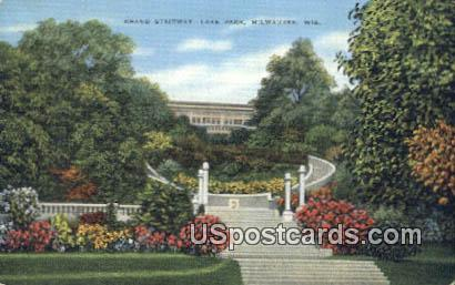 Grand Stairway, Lake Park - MIlwaukee, Wisconsin WI Postcard