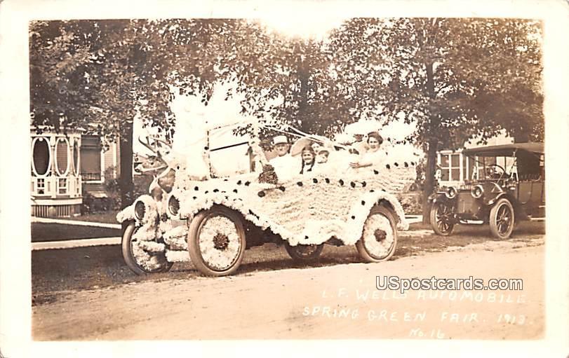 LF Wells Automobile - Spring Gree, Wisconsin WI Postcard