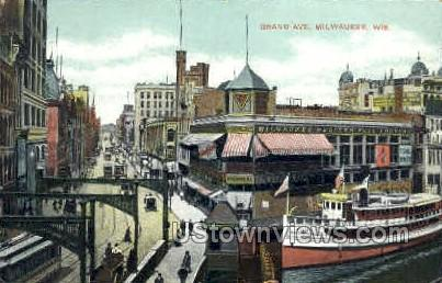 Grand Ave. - MIlwaukee, Wisconsin WI Postcard