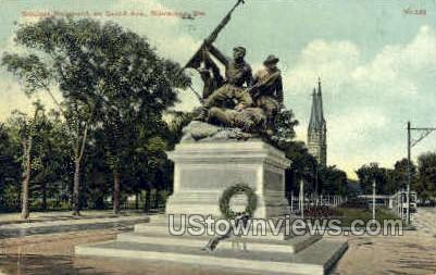 Soldiers Monument - MIlwaukee, Wisconsin WI Postcard