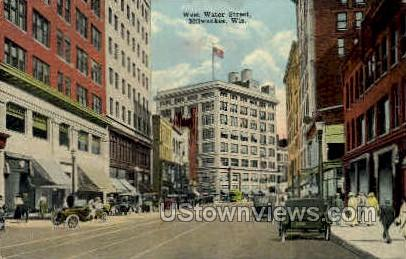 Water St. - MIlwaukee, Wisconsin WI Postcard