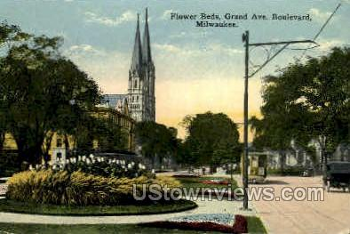 Flower Beds - MIlwaukee, Wisconsin WI Postcard