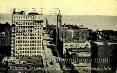 Wisconsin St. - MIlwaukee Postcard