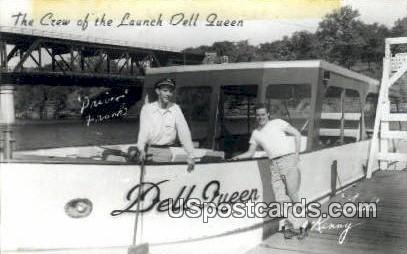 Launch Dell Queen - Wisconsin Dells Postcards, Wisconsin WI Postcard