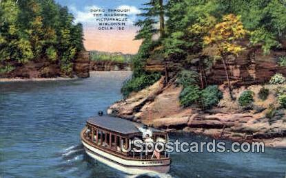 Going through the Narrows - Wisconsin Dells Postcards, Wisconsin WI Postcard