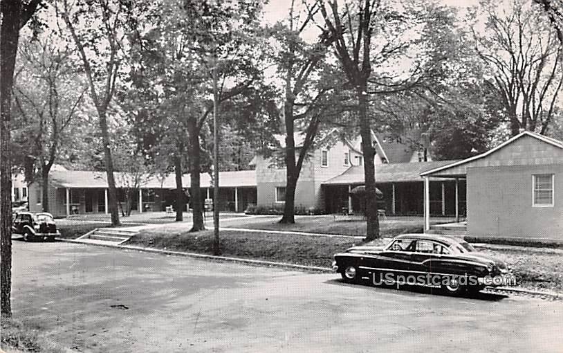 Sutherland's Motel Court - Wisconsin Dells Postcards, Wisconsin WI Postcard